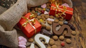 pepernoten, pakjes en chocoladeletters